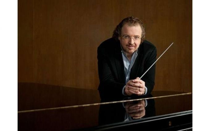 The Philadelphia Orchestra: Stephane Deneve - Beyond Baroque at Saratoga Performing Arts Center